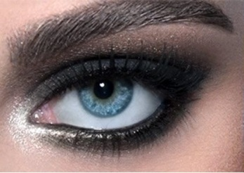 blazing-black-smokey-eyes1