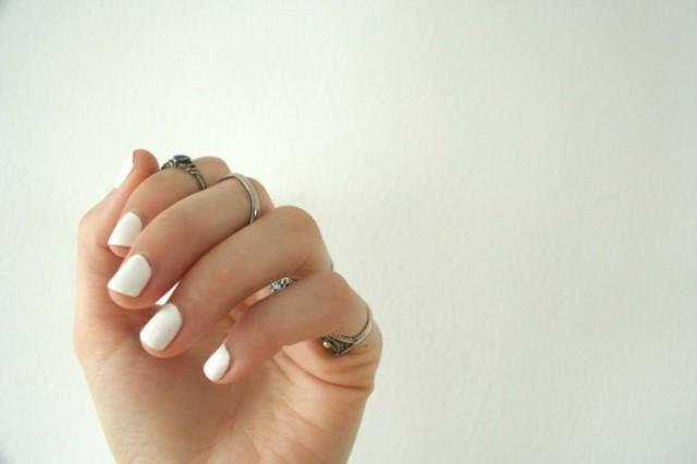 unghii albe