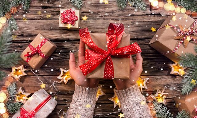10 idei de cadouri titlu